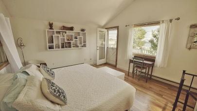 Bedroom BAck House