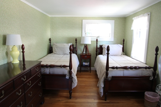 Second bedroom - Main house